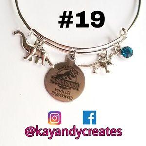 🦖 NWT Mamasaurus Bracelet